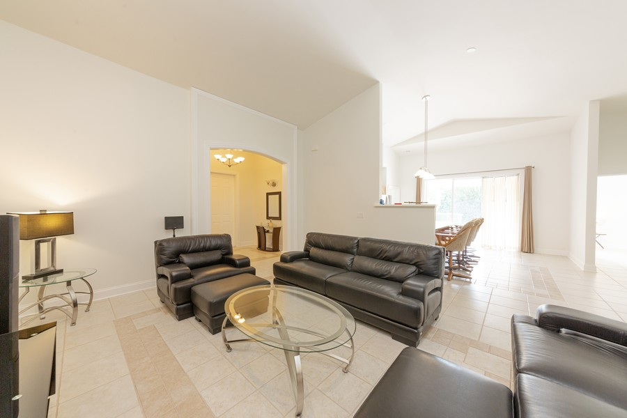 Real Estate Photography - 11144 Waterford Ave, Englewood, FL, 34224 - Great Room
