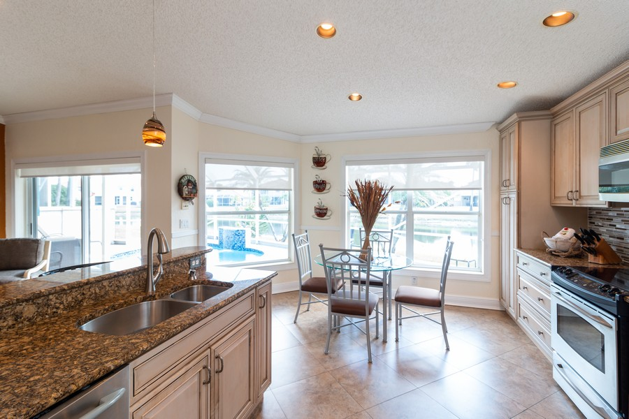 Real Estate Photography - 18336 Coral Chase Drive, Boca Raton, FL, 33498 - Kitchen / Breakfast Room