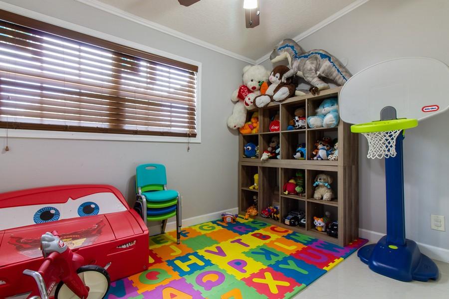 Real Estate Photography - 2519 COTILLION RD, JACKSONVILLE, FL, 32211 - 2nd Bedroom