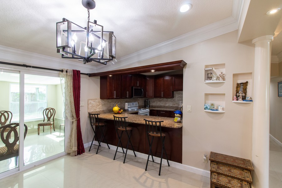 Real Estate Photography - 2519 COTILLION RD, JACKSONVILLE, FL, 32211 - Dining Room