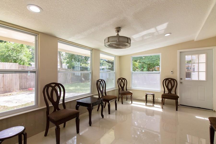 Real Estate Photography - 2519 COTILLION RD, JACKSONVILLE, FL, 32211 - Sun Room