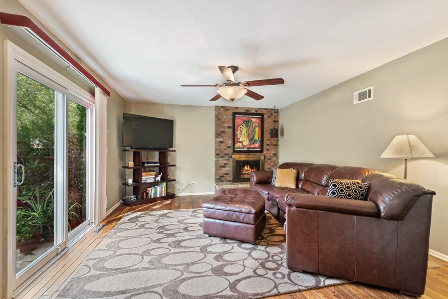 Real Estate Photography - 1560 Chapel Ct, Deerfield, IL, 60015 - Family Room