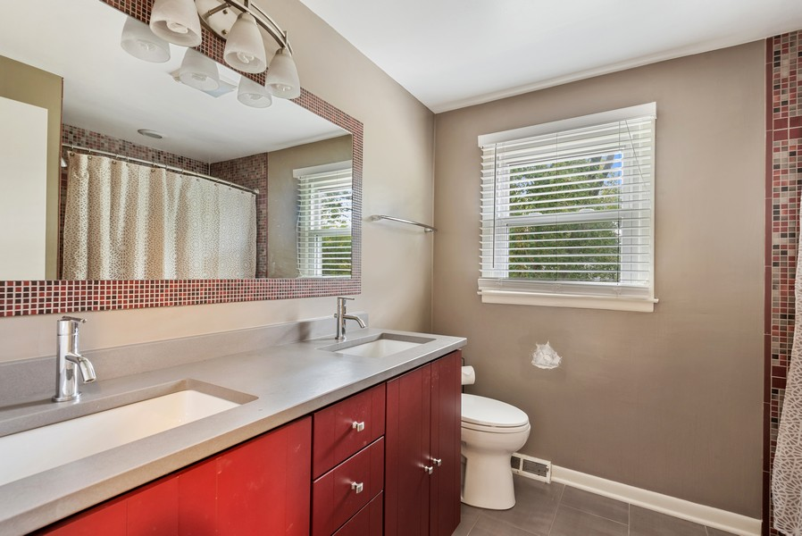 Real Estate Photography - 1560 Chapel Ct, Deerfield, IL, 60015 - Bathroom