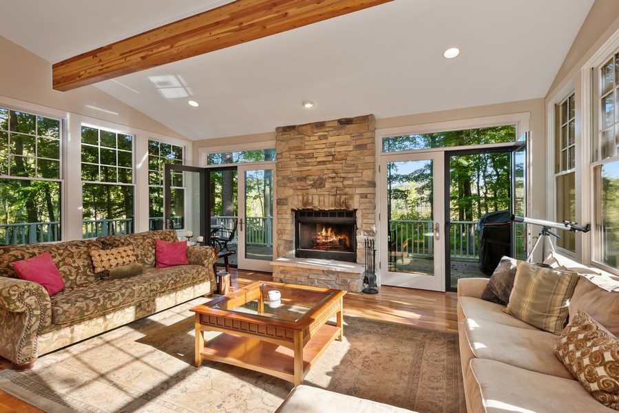 Real Estate Photography - 27 Orchard Lane, Buchanan, MI, 49107 - Living Room