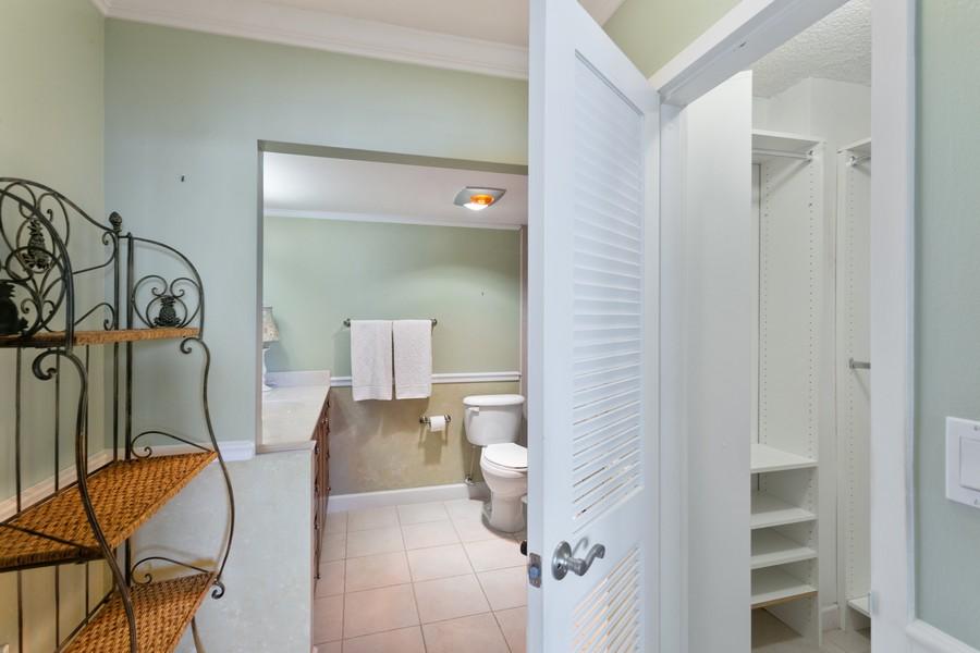 Real Estate Photography - 1170 N FEDERAL HWY, #509, FT LAUDERDALE, FL, 33304 - Master Bathroom