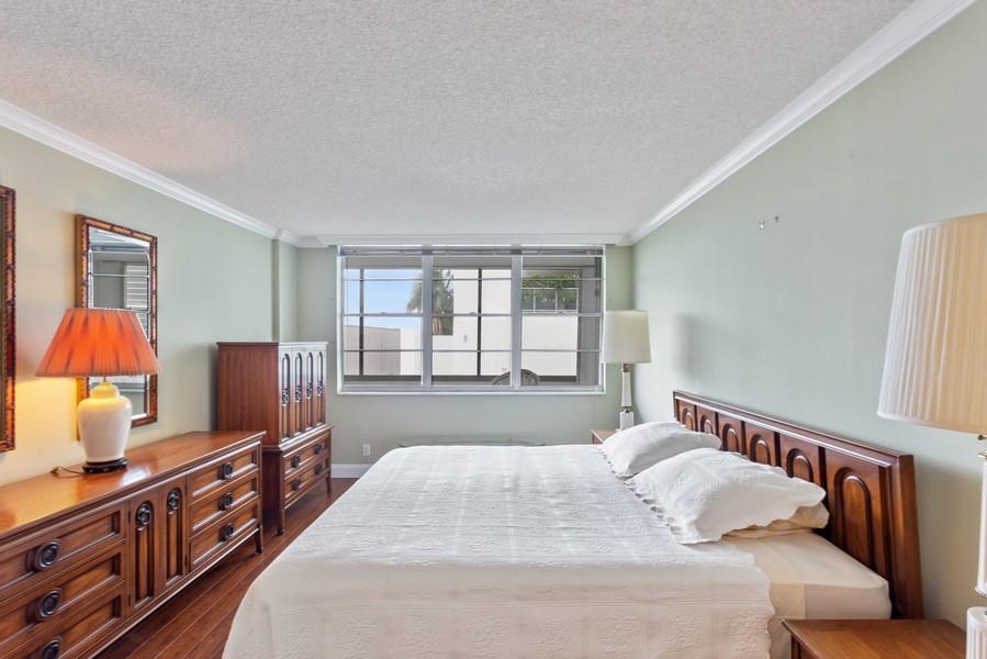 Real Estate Photography - 1170 N FEDERAL HWY, #509, FT LAUDERDALE, FL, 33304 - Master Bedroom