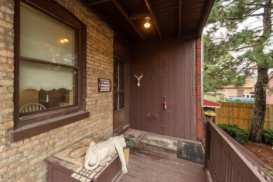 Real Estate Photography - 12631 Greenwood Avenue, Blue Island, IL, 60406 - Deck