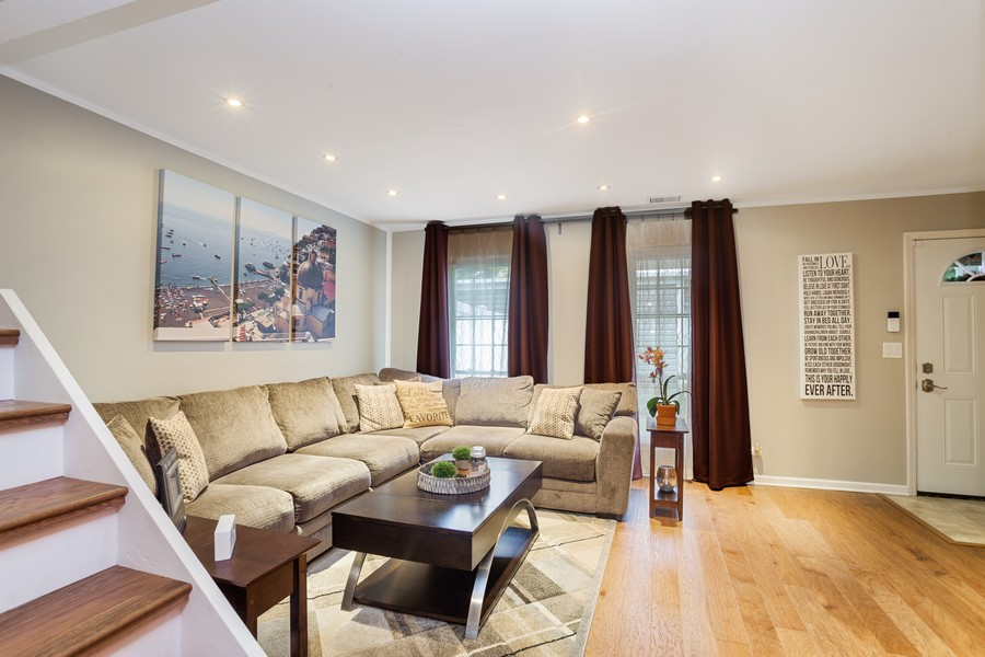 Real Estate Photography - 1379 westminster circle, roselle, IL, 60172 - Living Room