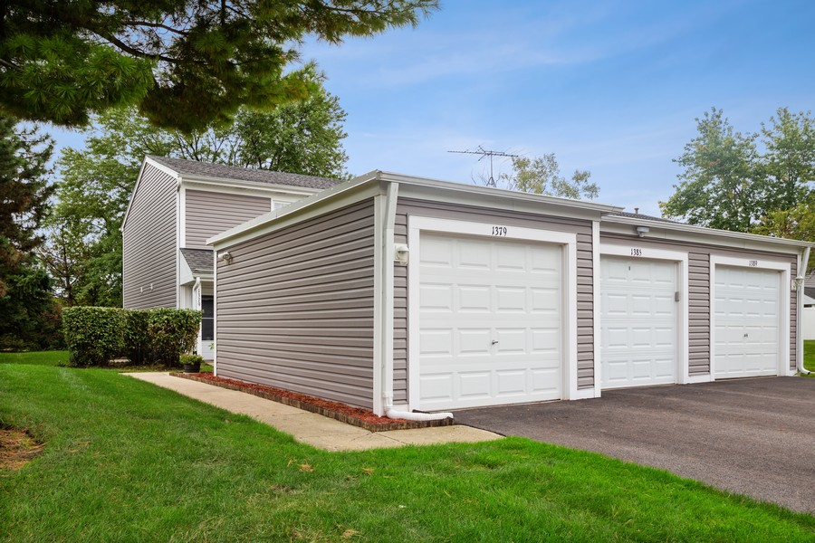 Real Estate Photography - 1379 westminster circle, roselle, IL, 60172 - Garage