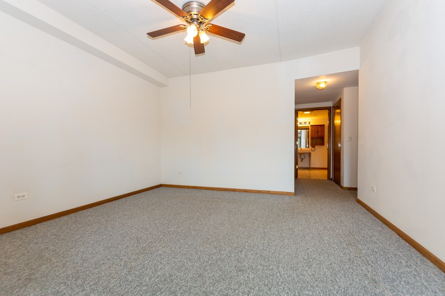 Real Estate Photography - 11035 Deblin, Unit 205, Oak Lawn, IL, 60453 - Master Bedroom