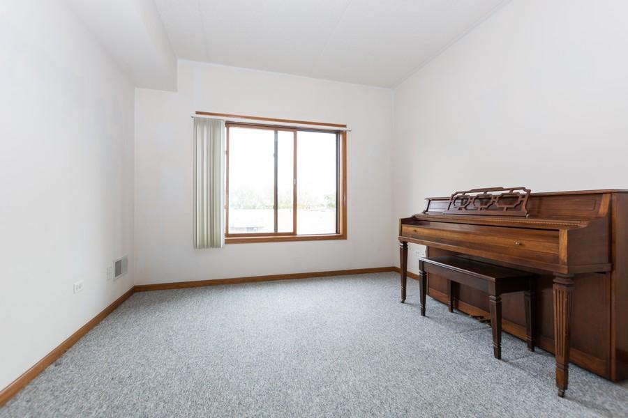 Real Estate Photography - 11035 Deblin, Unit 205, Oak Lawn, IL, 60453 - Bedroom