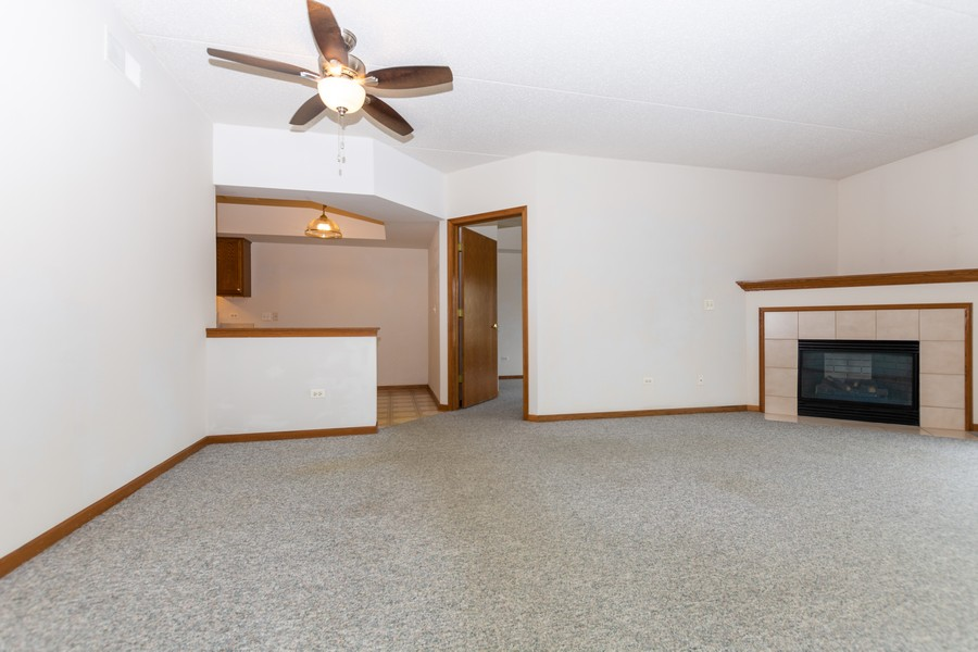 Real Estate Photography - 11035 Deblin, Unit 205, Oak Lawn, IL, 60453 - Dining Room