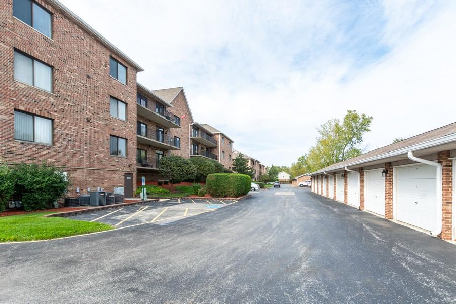 Real Estate Photography - 11035 Deblin, Unit 205, Oak Lawn, IL, 60453 - Rear View