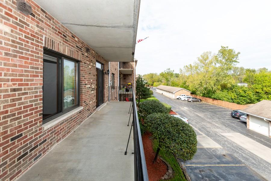Real Estate Photography - 11035 Deblin, Unit 205, Oak Lawn, IL, 60453 - Balcony