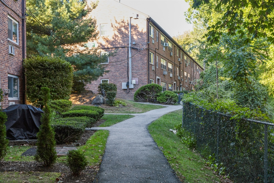 Real Estate Photography - 12  FIELDSTONE DR UNIT 372, HARTSDALE, NY, 10530 -