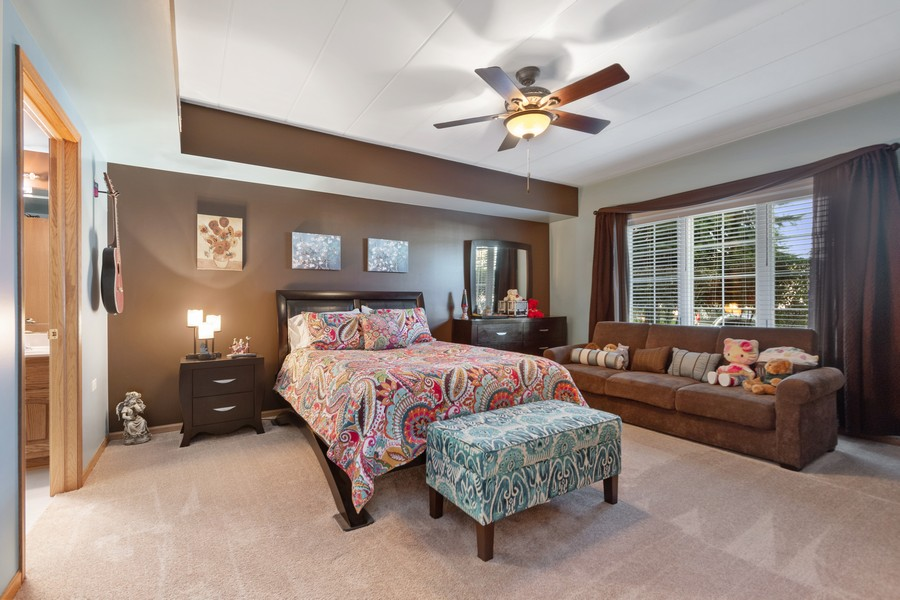 Real Estate Photography - 11545 Settlers Pond Way, Unit 1A, Orland Park, IL, 60467 - Master Bedroom
