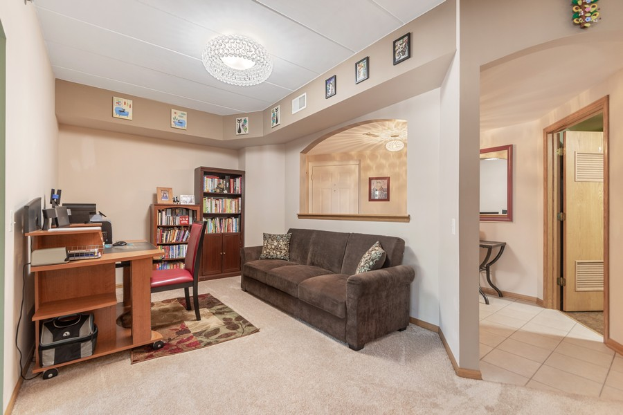 Real Estate Photography - 11545 Settlers Pond Way, Unit 1A, Orland Park, IL, 60467 - Dining Room