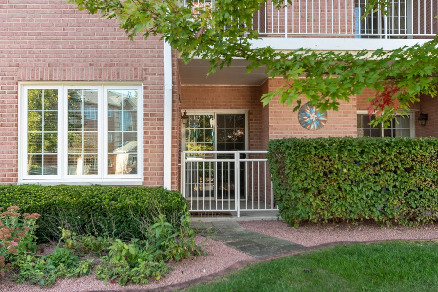 Real Estate Photography - 11545 Settlers Pond Way, Unit 1A, Orland Park, IL, 60467 - Front View