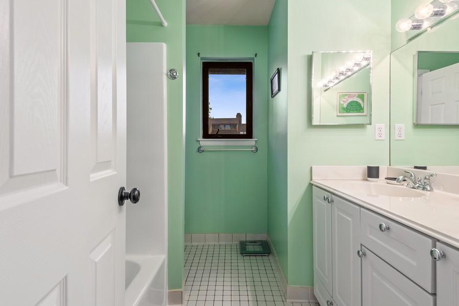 Real Estate Photography - 722 Panorama Drive, Mohegan Lake, NY, 10547 - pristine second bath