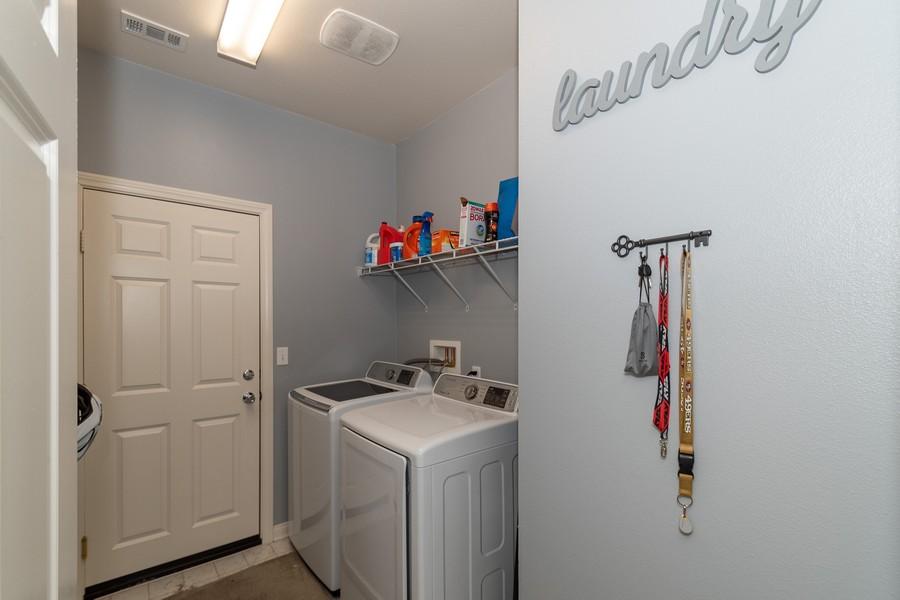 Real Estate Photography - 25499 Rocking Horse Ct, Menifee, CA, 92584 - Laundry Room