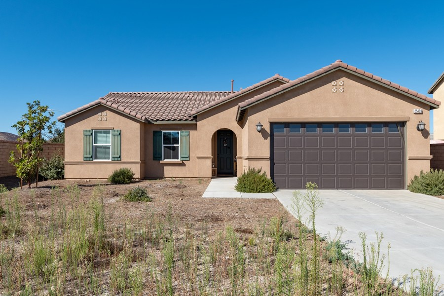 Real Estate Photography - 25499 Rocking Horse Ct, Menifee, CA, 92584 - Front View