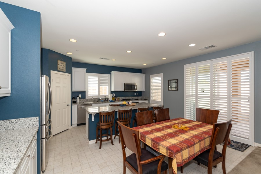 Real Estate Photography - 25499 Rocking Horse Ct, Menifee, CA, 92584 - Kitchen / Dining Room