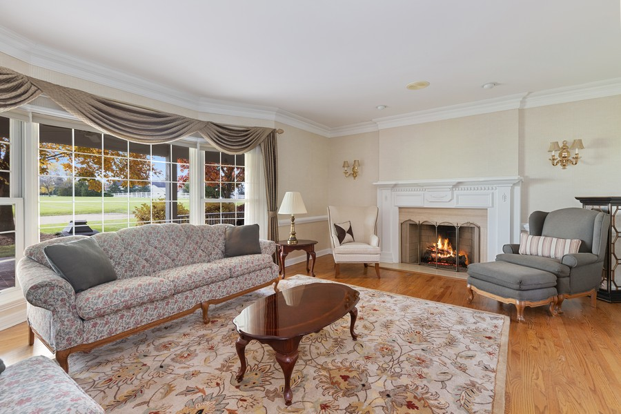Real Estate Photography - 17199 Yearing Lane, Wadsworth, IL, 60083 - Living Room