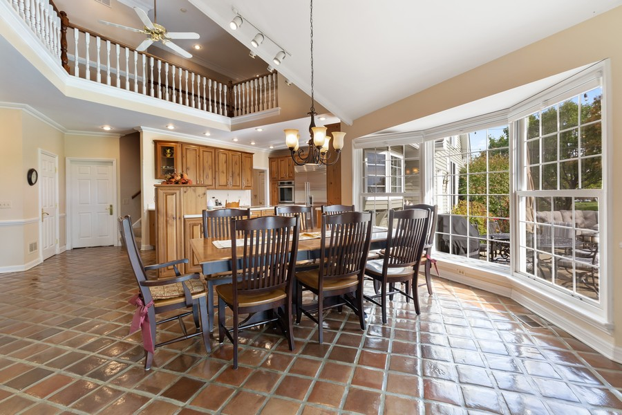 Real Estate Photography - 17199 Yearing Lane, Wadsworth, IL, 60083 - Kitchen / Breakfast Room