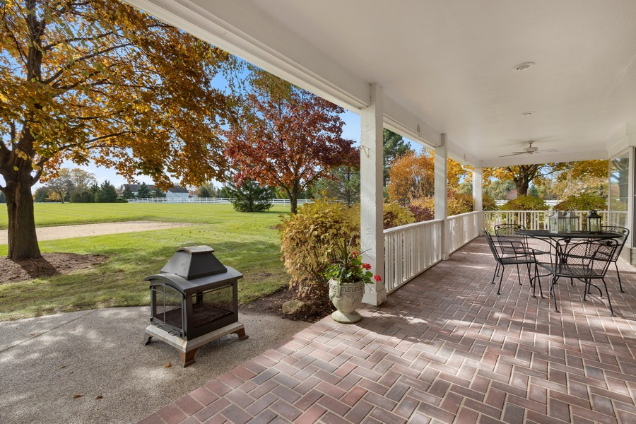 Real Estate Photography - 17199 Yearing Lane, Wadsworth, IL, 60083 - Porch