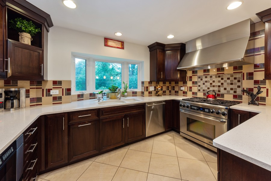Real Estate Photography - 306 E. Clarendon, Arlington Heights, IL, 60004 - Kitchen
