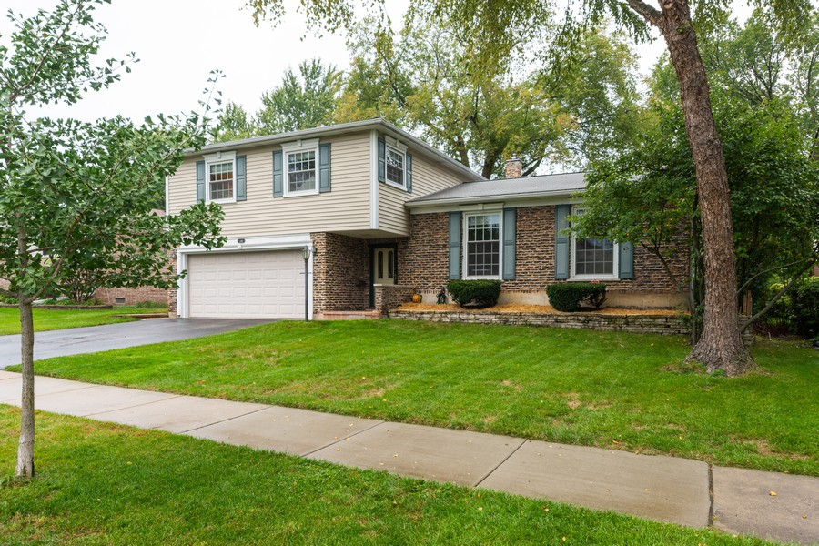 Real Estate Photography - 306 E. Clarendon, Arlington Heights, IL, 60004 - Front View