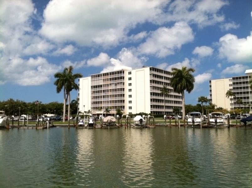Real Estate Photography - 3 Bluebill Ave Unit 812, Naples, FL, 34108 -