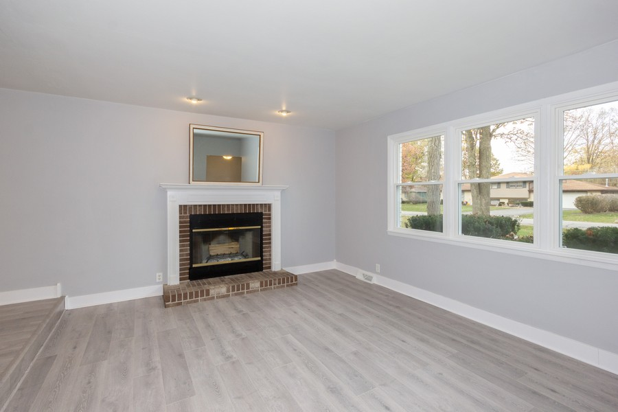 Real Estate Photography - 409 Shady Ln, Shorewood, IL, 60404 - Living Room