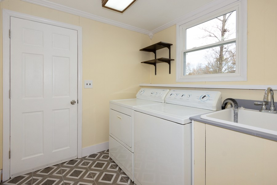 Real Estate Photography - 409 Shady Ln, Shorewood, IL, 60404 - Laundry Room