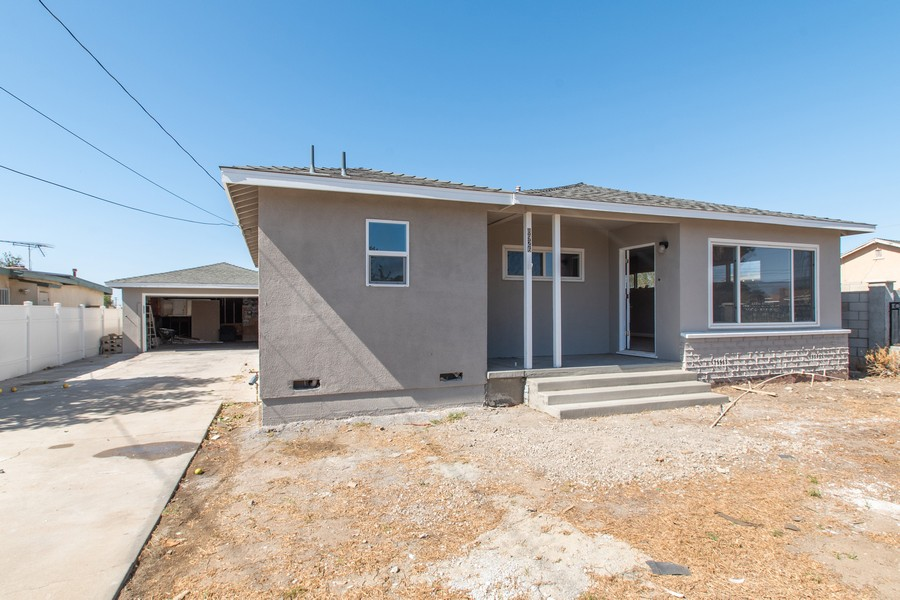 Real Estate Photography - 8926 Laurel Ave, Fontana, CA, 92335 - Front View