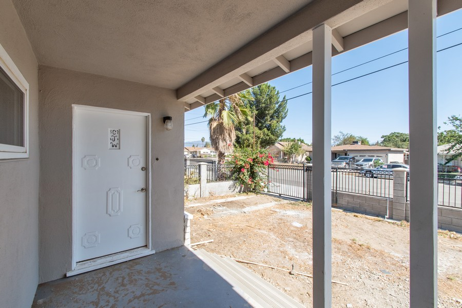 Real Estate Photography - 8926 Laurel Ave, Fontana, CA, 92335 - Porch