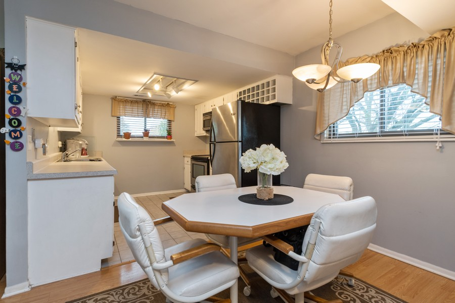 Real Estate Photography - 1918 Heatherway Ln, Unit 31, New Lenox, IL, 60451 - Dining Room