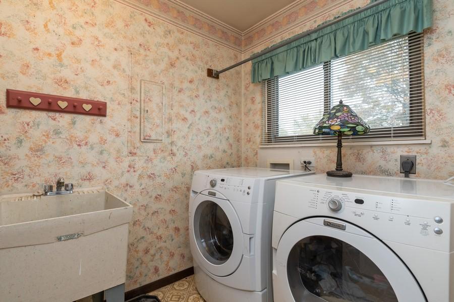 Real Estate Photography - 1918 Heatherway Ln, Unit 31, New Lenox, IL, 60451 - Laundry Room