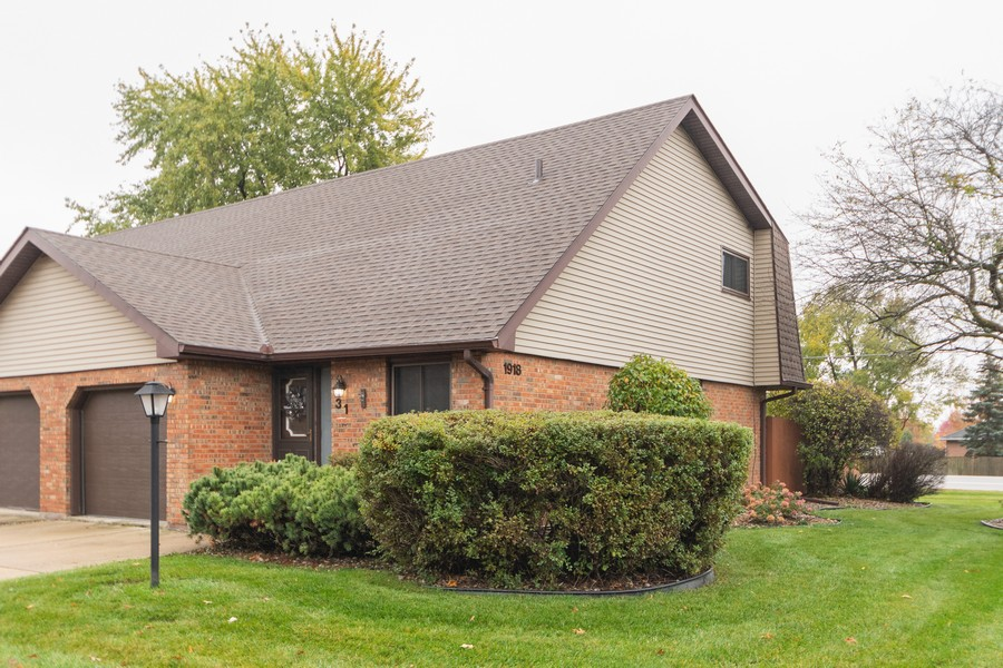 Real Estate Photography - 1918 Heatherway Ln, Unit 31, New Lenox, IL, 60451 - Front View