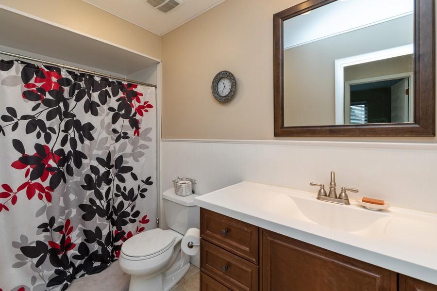 Real Estate Photography - 1918 Heatherway Ln, Unit 31, New Lenox, IL, 60451 - Bathroom