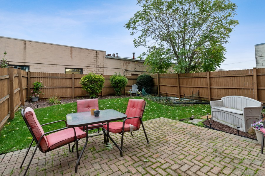 Real Estate Photography - 8148 W 111th St, A1, Palos Hills, IL, 60465 - Back Yard