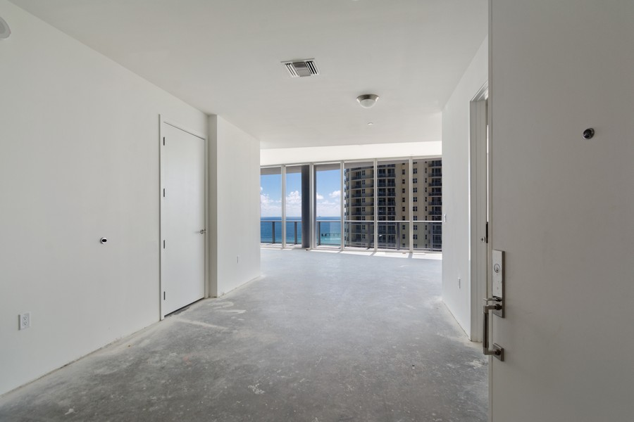 Real Estate Photography - 17475 Collins Ave, Unit 1501, Sunny Isles Beach, FL, 33160 - Foyer