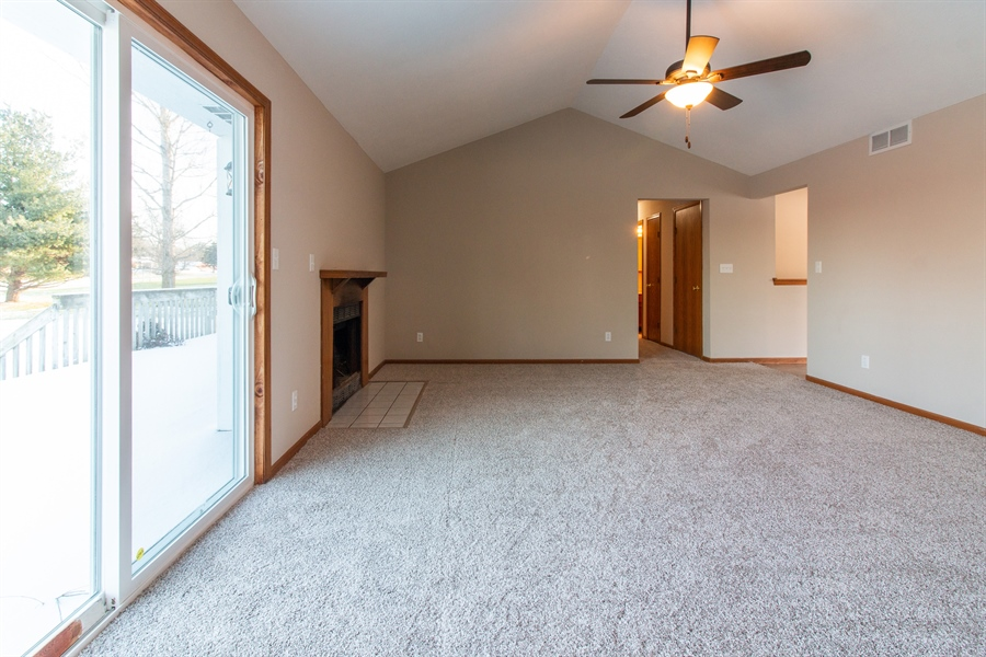 Real Estate Photography - 1065 HARBORTOWN GREEN, ROCKFORD, IL, 61103 -