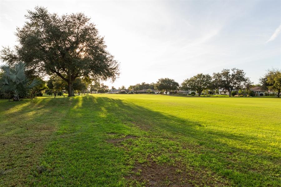 Real Estate Photography - 1211 CAPRI ISLES BLVD 60, VENICE, FL, 34292 -