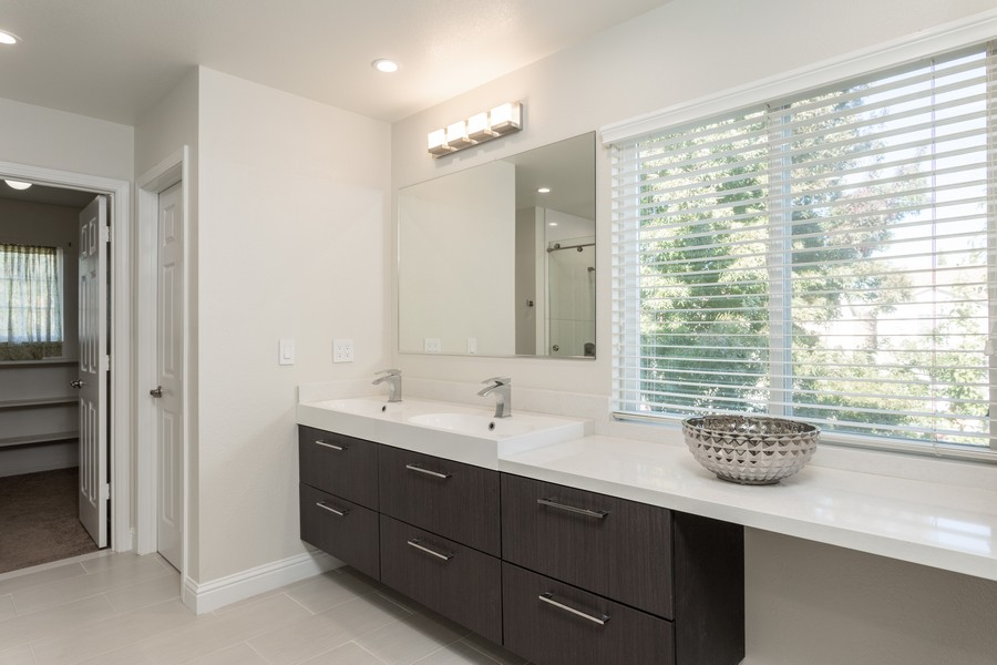 Real Estate Photography - 1651 Roma Ct, West Sacramento, CA, 95691 - Master Bathroom