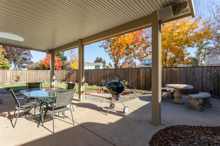 Real Estate Photography - 1651 Roma Ct, West Sacramento, CA, 95691 - Back Yard