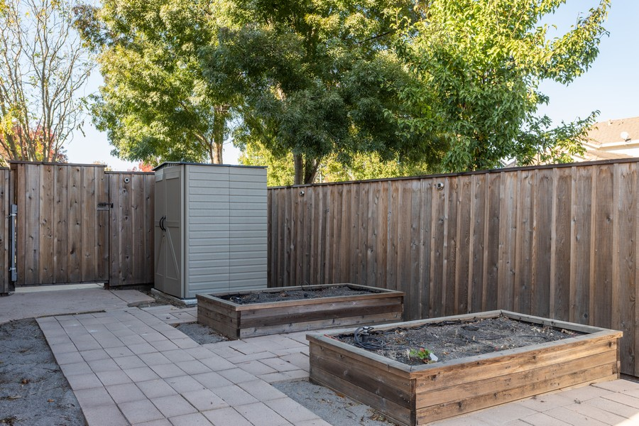 Real Estate Photography - 1651 Roma Ct, West Sacramento, CA, 95691 - Garden