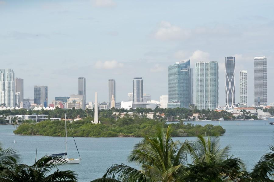 Real Estate Photography - 1500 Bay Road apt 654S, Miami Beach, FL, 33139 - View