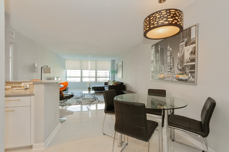 Real Estate Photography - 1500 Bay Road apt 654S, Miami Beach, FL, 33139 - Living Room / Dining Room