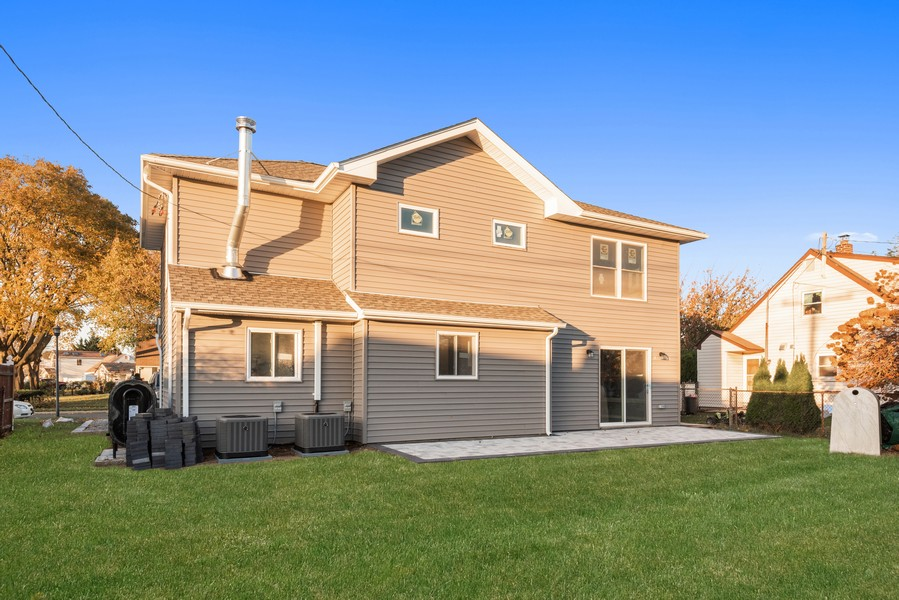Real Estate Photography - 60 Knoll Ln, Levittown, NY, 11756 -